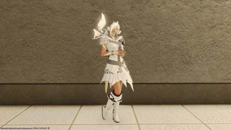 アウラ種族服で白コーデ(黒魔)
