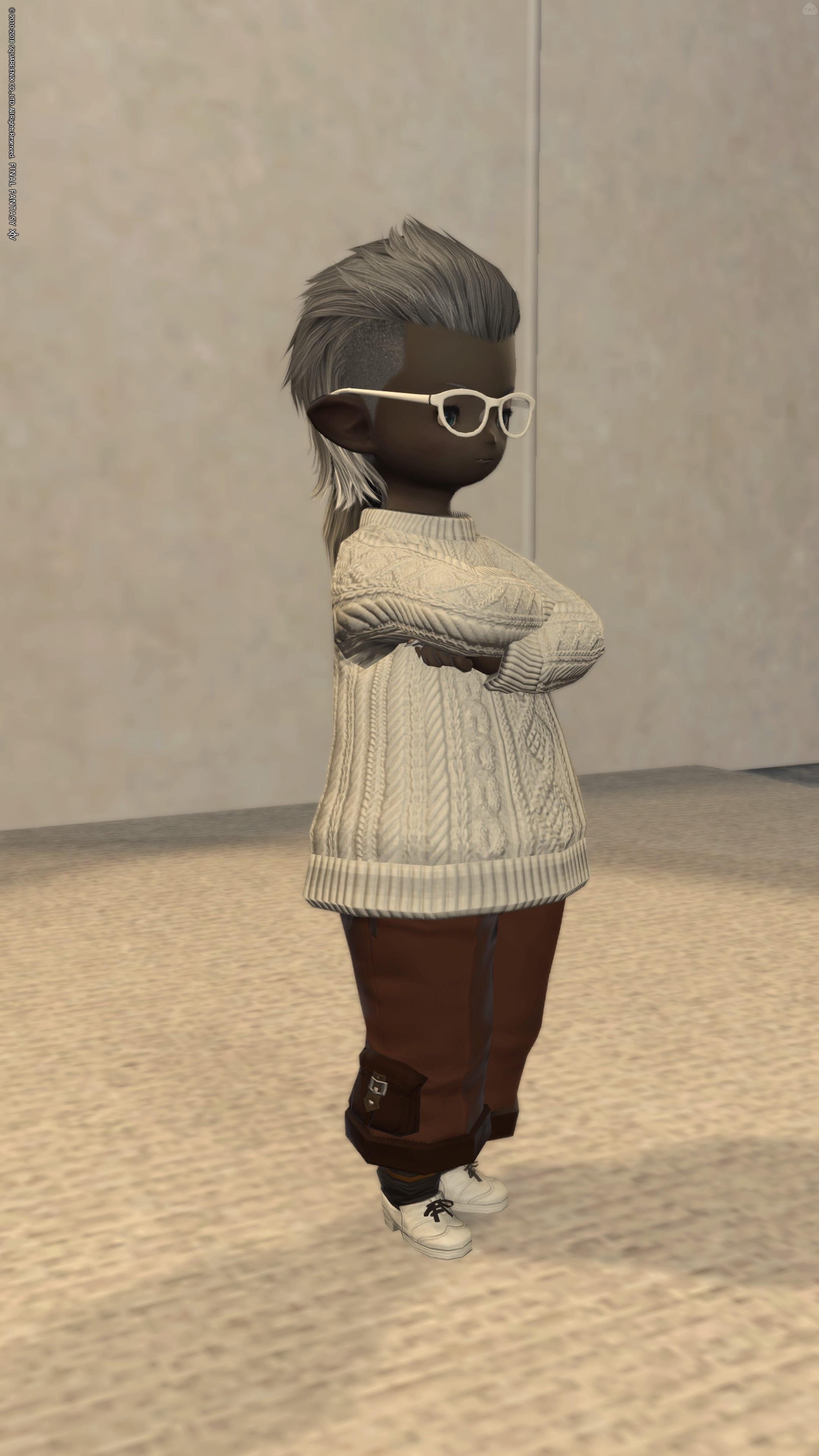 白メガネセーター