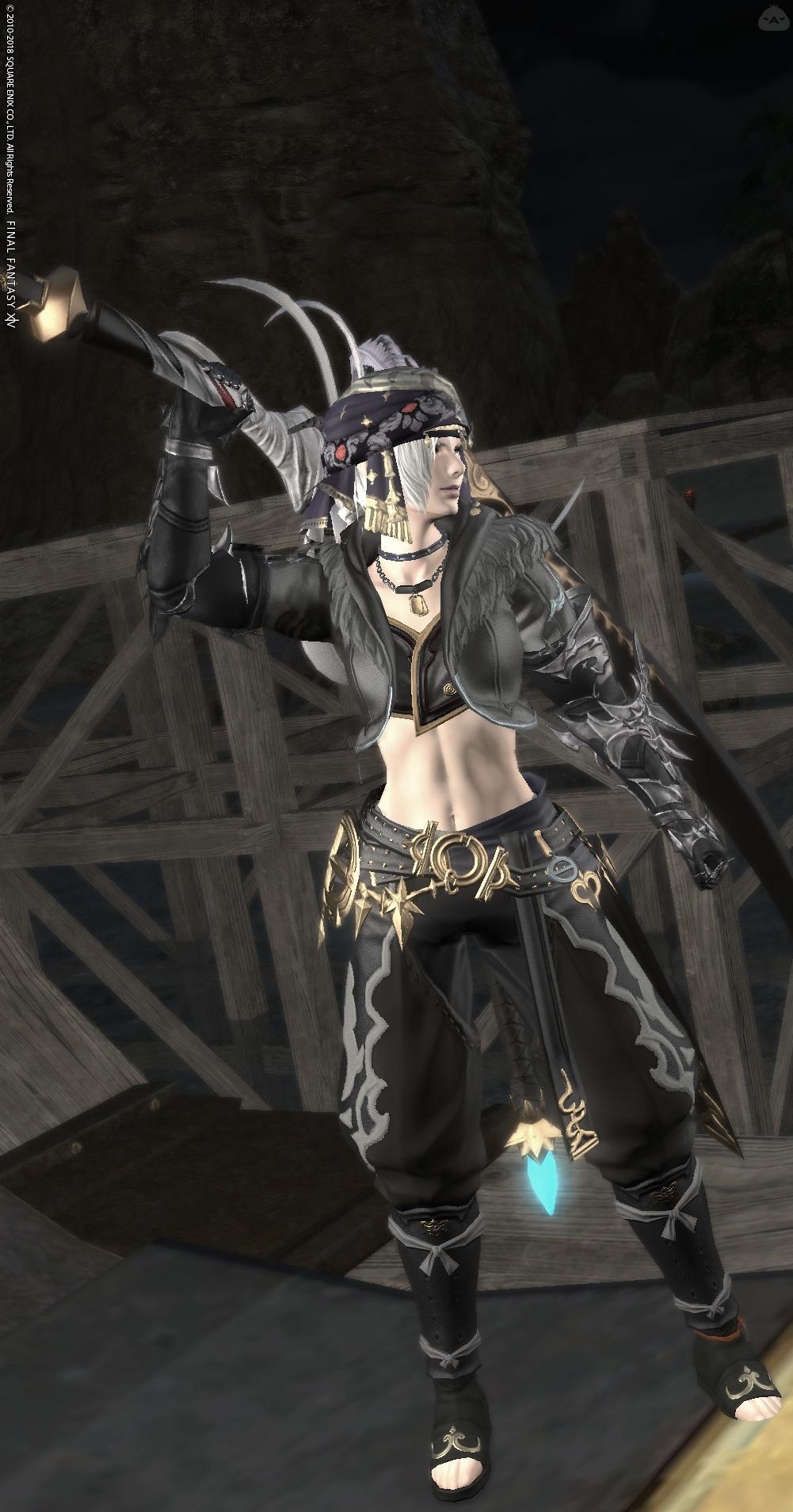闇を往く女剣士