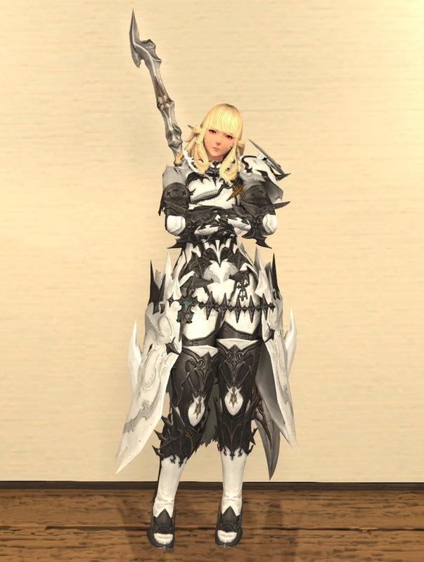 純白の暗黒騎士