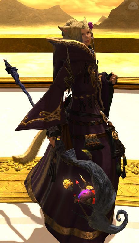 妖艶に微笑う黒魔導士